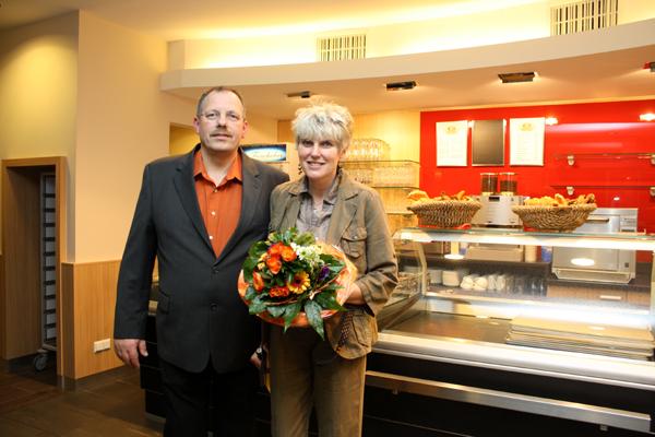 Tronje und Bettina Marquardt nach dem erfolgreichen Umbau. Foto: Gerhard Schindler