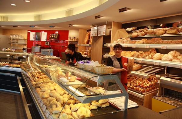 Albkorn-Bäckerei Marquardt Filiale Großengstingen Trochtelfinger Straße. Foto: Gerhard Schindler