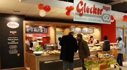 Verkaufstheke der Albkorn-Bäckerei Glocker im neuen REWE-Markt Münsingen. Foto: Gerhard Schindler