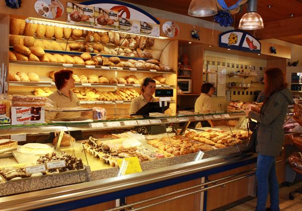 Im Verkauf der Albkorn-Bäckerei Knöpfle in der Buchhalde. Foto: Gerhard Schindler