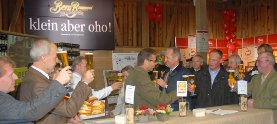 Ein großes Prost auf Albkorn und Berg Bier