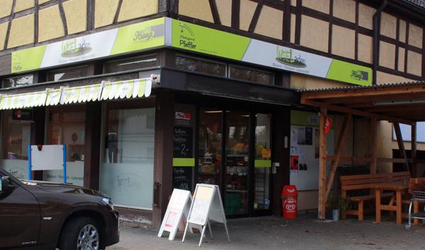 Der Pfullinger Inselladen an der Einbahnstraßen-Ecke auf dem Weg zur Stuhlsteige