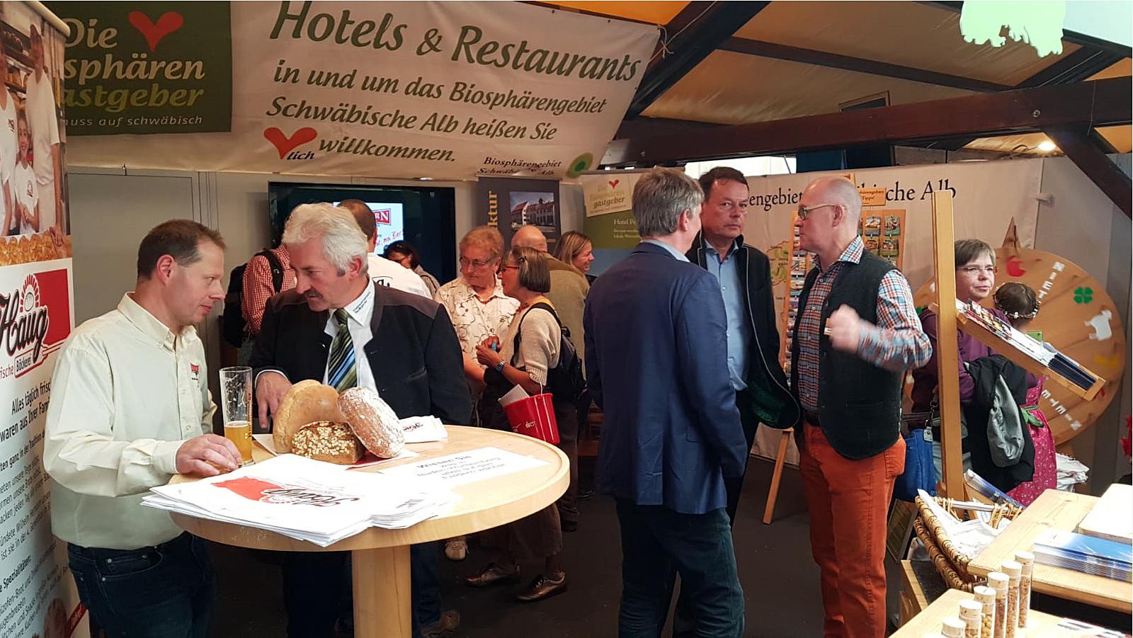 Stand von Albkorn und Biosphärengastgebern auf dem 100. Landwirtschaftlichen Hauptfest in Stuttgart