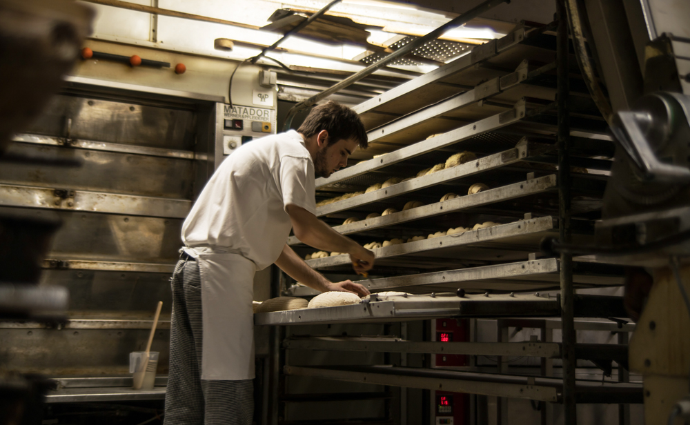 In der Backstube der Albkorn-Bäckerei Sautter in Eningen u.A.
